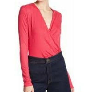 NWOT Elodie wrap red sweater w/ extendrd l/s
